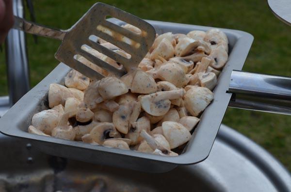 vegetarisch-grillen-pilzpfanne