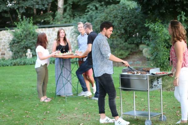 Freude-am-Grillen-Holzkohlegrill-Premio-Schickling-Grill