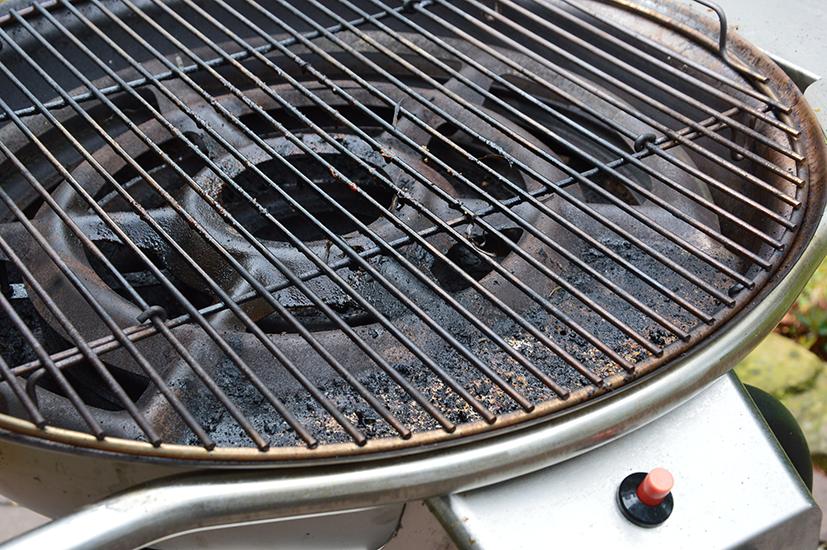 Gas Oder Holzkohlegrill Reinigen : So reinigen sie den kugelgrill kohga schickling grill