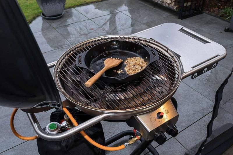 Pulled Pork Im Gasgrill Zubereiten : Pulled pork bacon bomb schickling grill